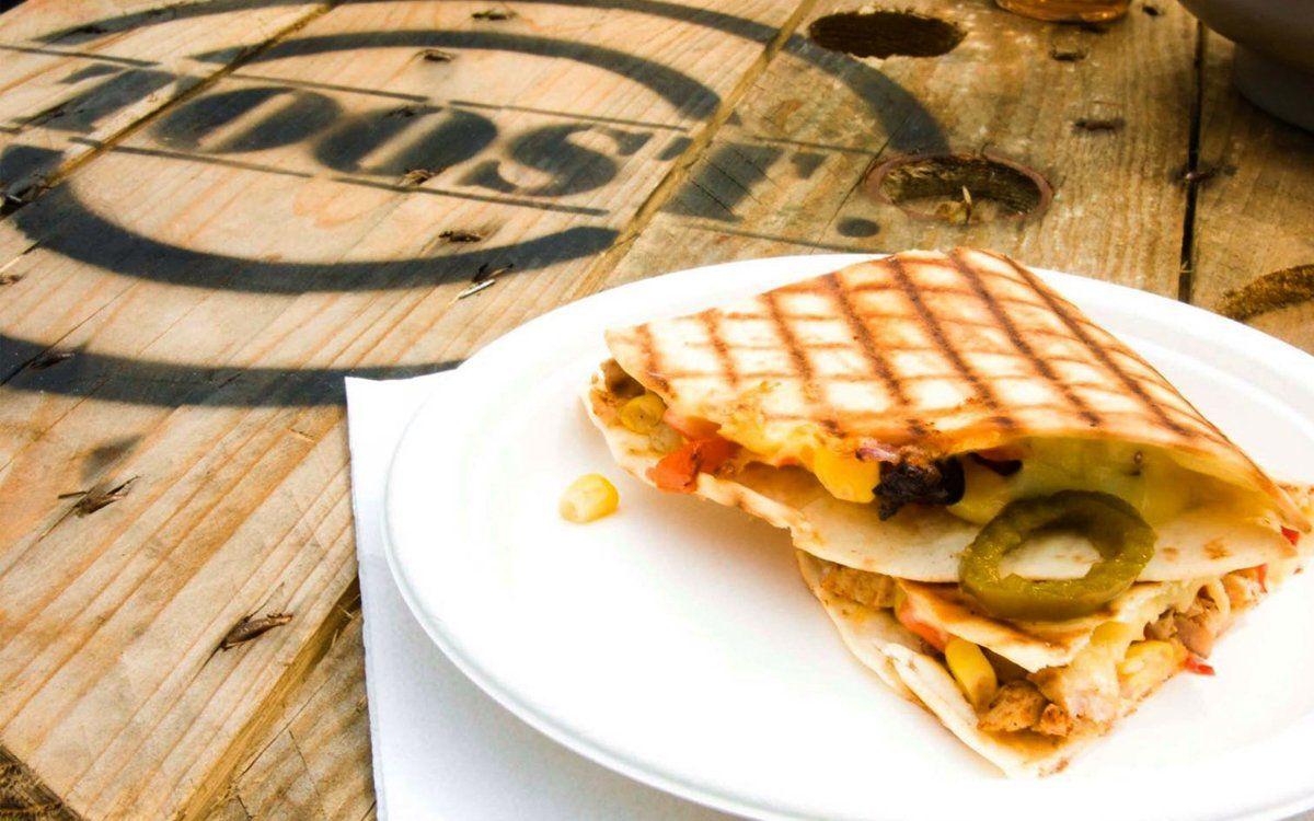 BikBike Foodtrcuk serveert Mexicaans eten tijdens Exclusive Spring Fair