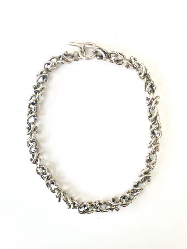 HeJude verkoopt handgemaakte zilveren sieraden tijdens Exclusive Spring Fair