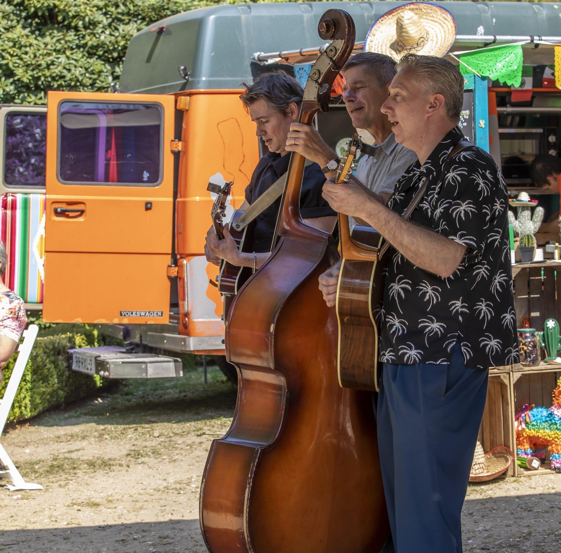 De gasten spelen op Exclusive Spring Fair
